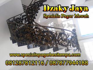 Model Railing Tangga Layang Motif Full Ornamen Besi Tempa