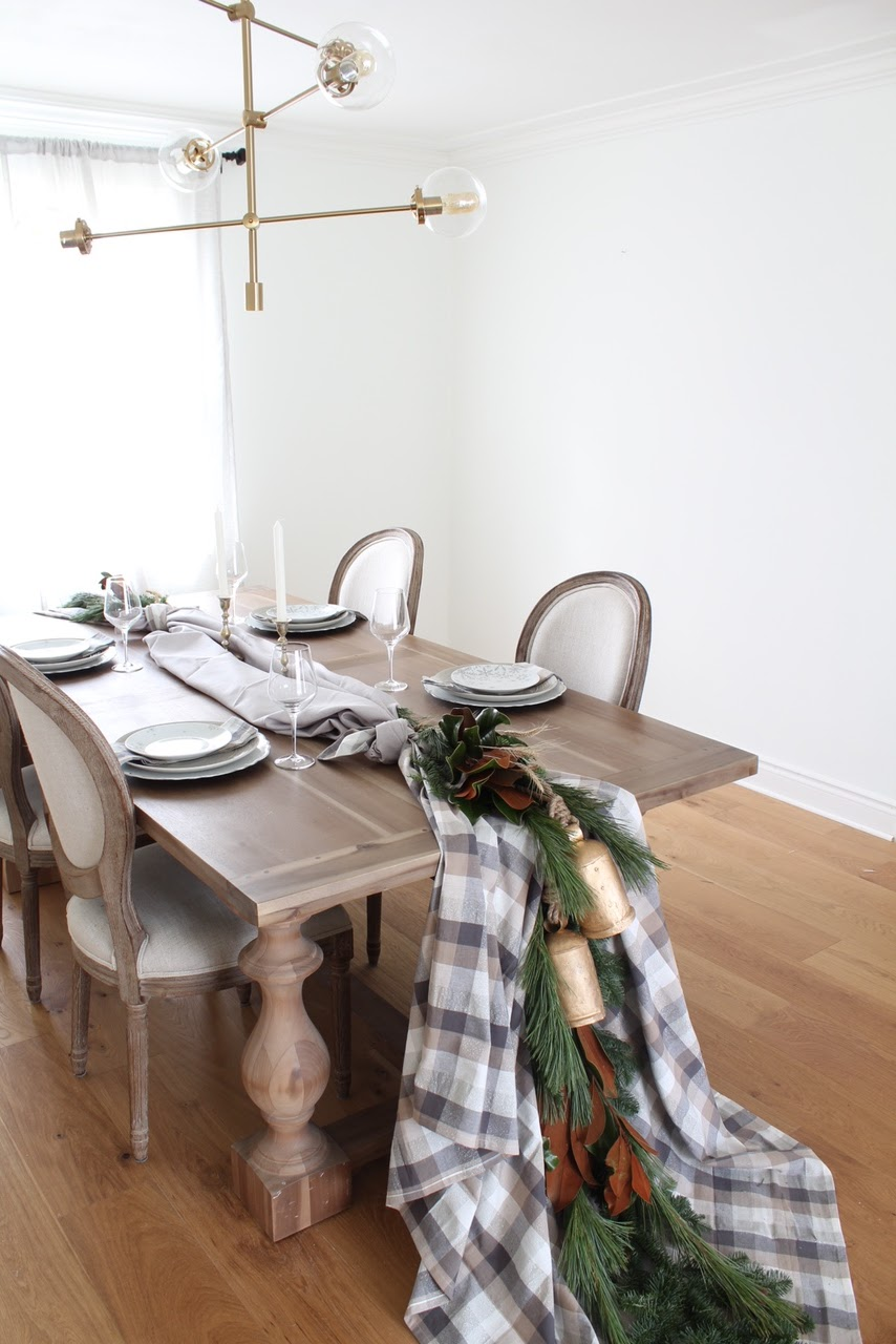 Modern Cozy Holiday Tablescape