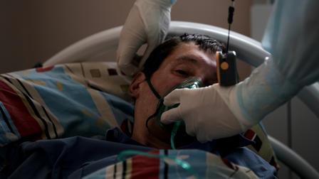 Пациент с COVID-19 отдал свой лимит кислорода сыну и умер