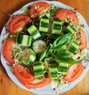 roll di cetriolo e surimi