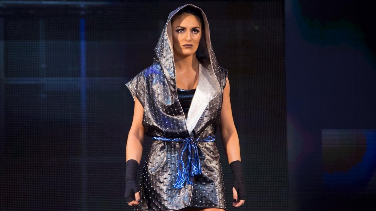 Sonya Deville está treinando para voltar aos ringues