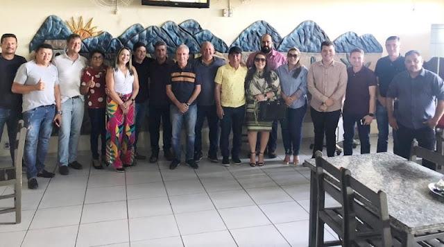 Nabor se reúne com vereadores eleitos e destaca que momento é de união de forças para garantir um futuro melhor para Patos
