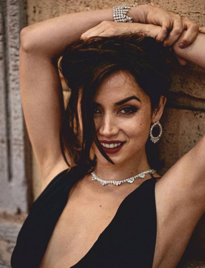 Ana De Armas Hot Photo Gallery