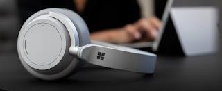 mendengarkan muzik