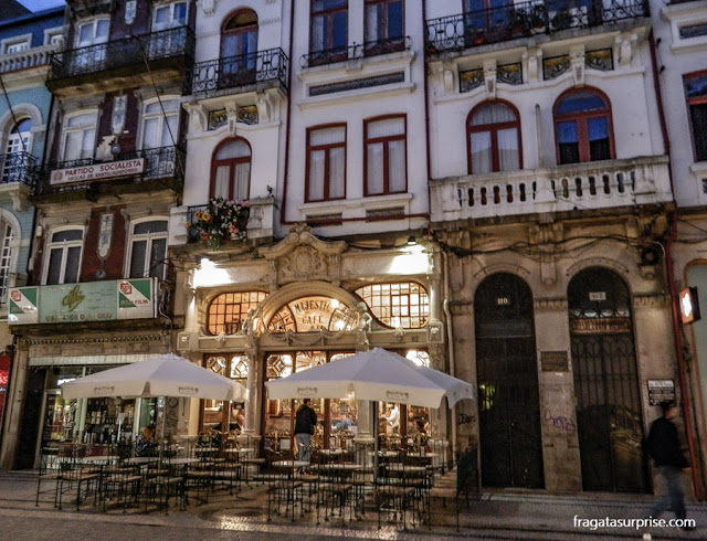 Fachada do Café Majestic, no Porto