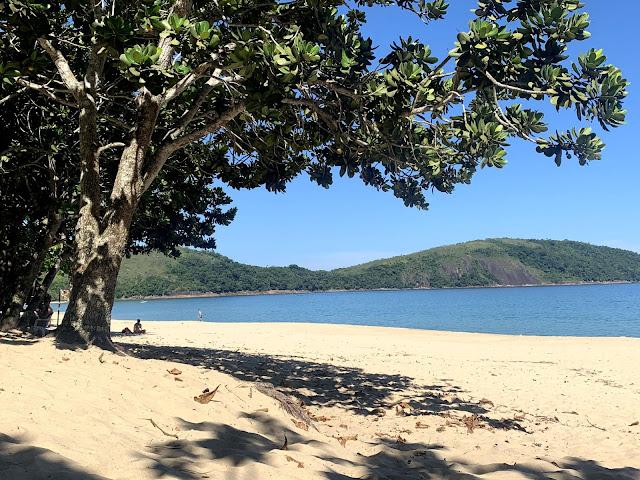 praia de areia fofa