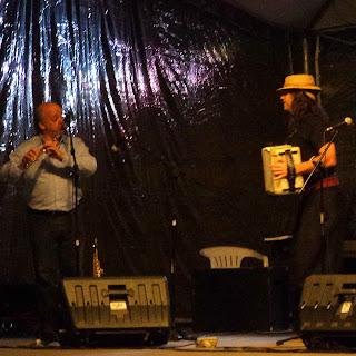 Pedrinho Figueiredo e Renato Borghetti, na Praça João Correa, em Canela