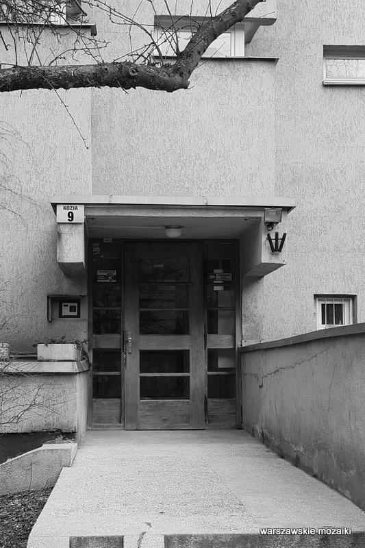 Warszawa Warsaw blok apartamentowiec PRL modernizm architektura warszawskie podwórka 1983 serial klatka schodowa