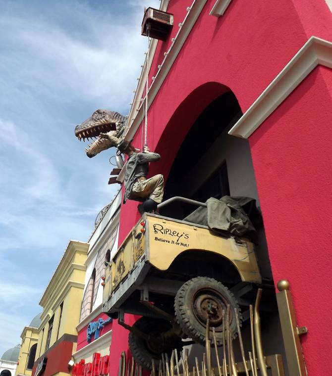 Ruby Tuesday: Blue Skies And A Dinosaur, Arrgg