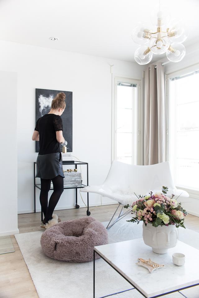 Villa H, sivupöytä, sohvapöytä, olohuoneen sisustus, sisustushaaveet