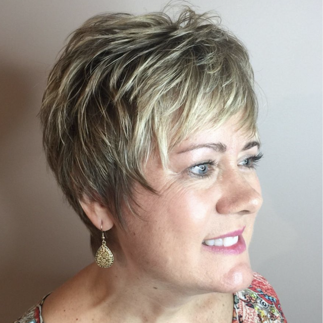 hairstyles for over 50 with round face