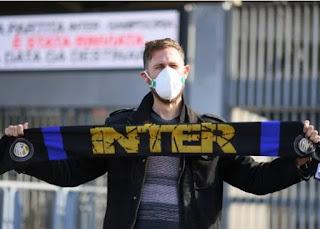 يلعب الدوري الإيطالي خلف أبواب مغلقة بسبب انتشار فيروس كورونا في إيطاليا