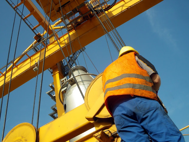6 Tips To Consider Before Purchasing An Electric Chain Hoist