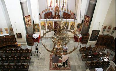 Ανάσταση στις... 26 Μαΐου! - Κεκλεισμένων των θυρών οι Ακολουθίες στις εκκλησίες το Πάσχα