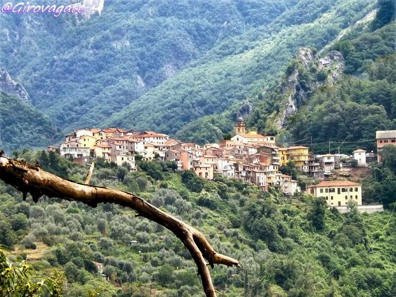 Alpi Apuane borgo