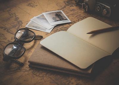Langkah-Langkah Menulis Surat Pribadi dan Surat Dinas dalam Bentuk Kertas atau E-mail