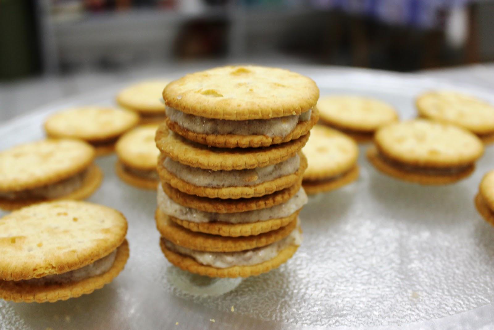 Mely's kitchen: Tuna Cracker Sandwich