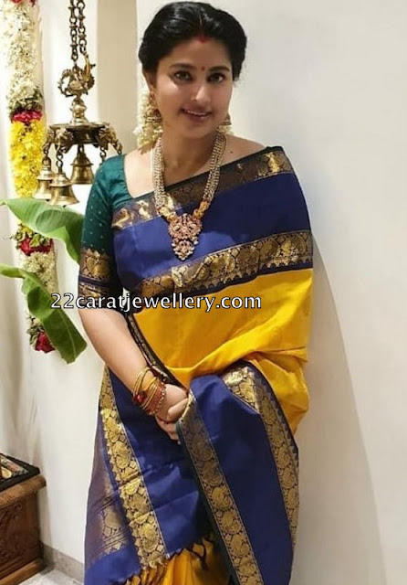 Sneha Yellow Blue Gadwal Saree