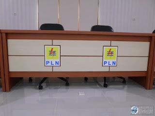 Kontraktor Furniture Kantor + Meja Rapat Kapasitas Banyak