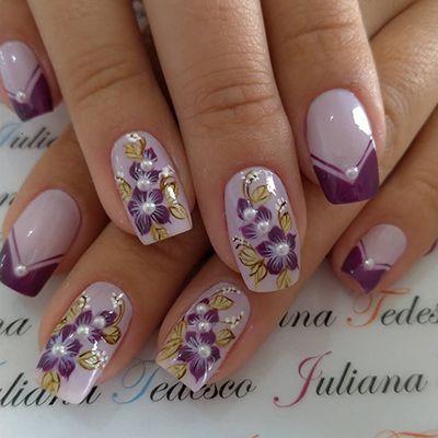 unhas decoradas roxas com flores