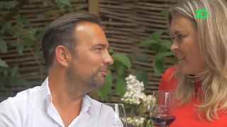 Gerard Ekdom zoekt romantiek bij Nicole Ekdom als zij luisteren naar Radio 10