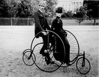 "Kendaraan beroda dua atau tiga, mempunyai setang, tempat duduk, dan sepasang pengayuh yg digerakkan kaki untuk menjalankannya. Dalam Ensiklopedia Columbia, nenek moyang sepeda diperkirakan berasal dari Perancis. Menurut sejarah, negeri itu sudah sejak awal abad ke-18 mengenal alat transportasi roda dua yang dinamai velocipede. Bertahun-tahun, velocipede menjadi satu-satunya istilah yang merujuk hasil rancang bangun kendaraan dua roda.  Yang pasti, konstruksinya belum mengenal besi. Modelnya pun masih sangat ""primitif"". Ada yang bilang tanpa engkol, pedal tongkat kemudi (setang). Ada juga yang bilang sudah mengenal engkol dan setang, tapi konstruksinya dari kayu.  Baron Karls Drais von Sauerbronn yang pantas dicatat sebagai salah"