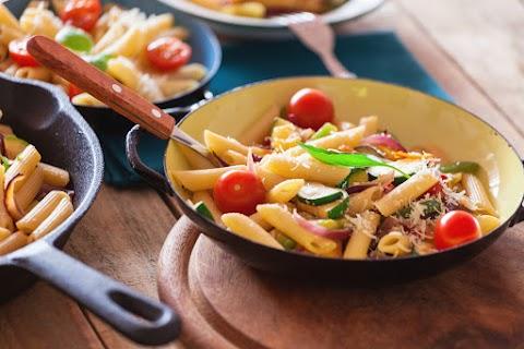 Könnyű paradicsomos-cukkinis tészta: ebéd 20 perc alatt