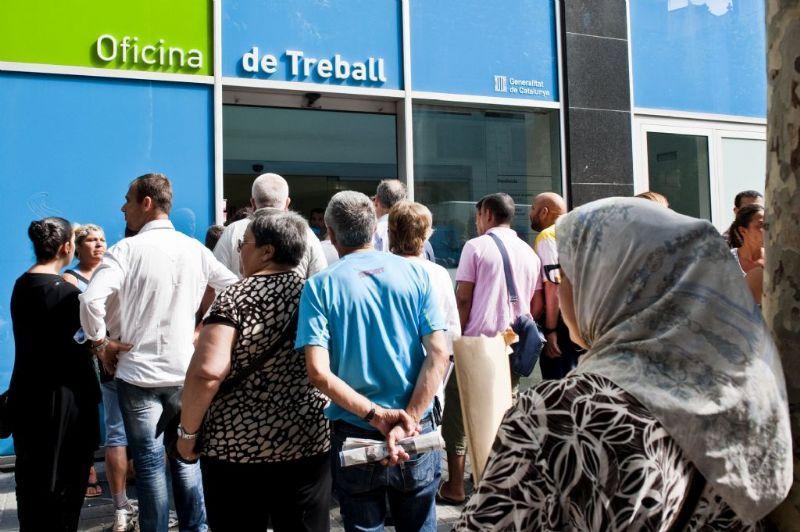noticias de castelldefels baja el paro por quinto mes