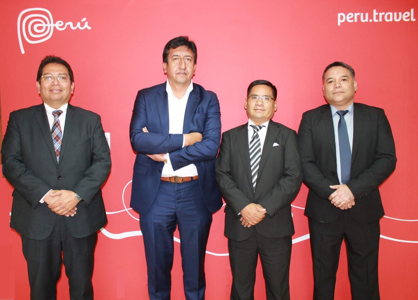 Portalámparas firma convenio estratégico con Almacenes Juan Montero