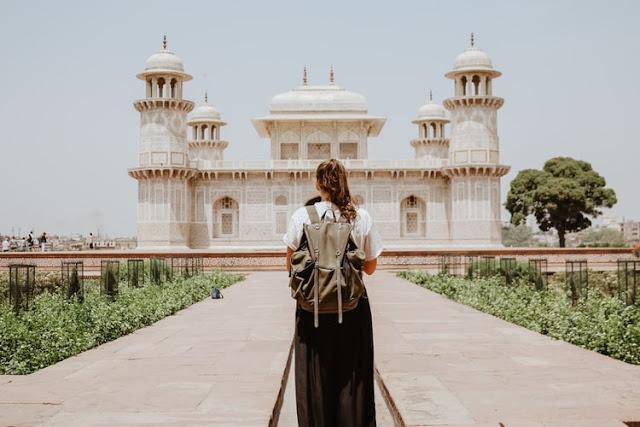 66 Best Traveling Blog Names