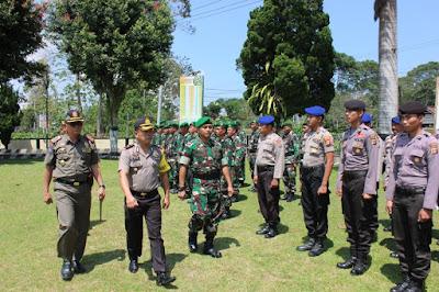 Polres Lampung Barat Gelar Apel Pergeseran Pasukan Dalam Rangka Pilperatin di Pesisir Barat