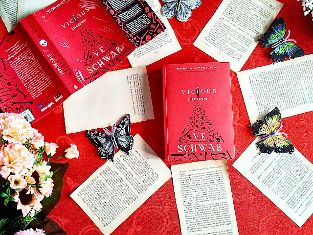 """Vicious: Nikczemni"" - Victoria Schwab"