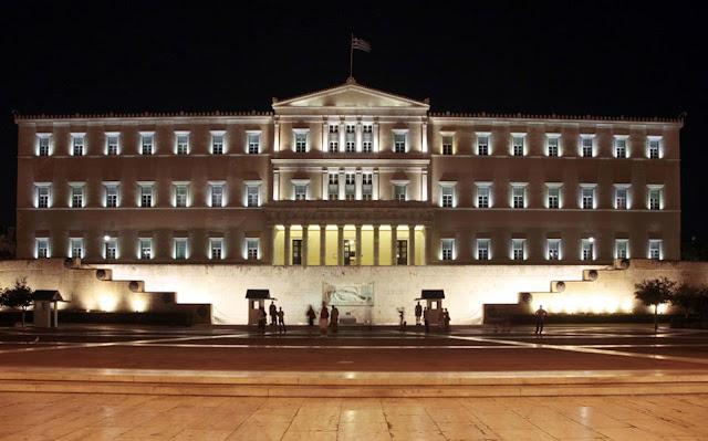 Όταν αλλάζει η διάσταση του πολιτικού χρόνου στην Ελλάδα