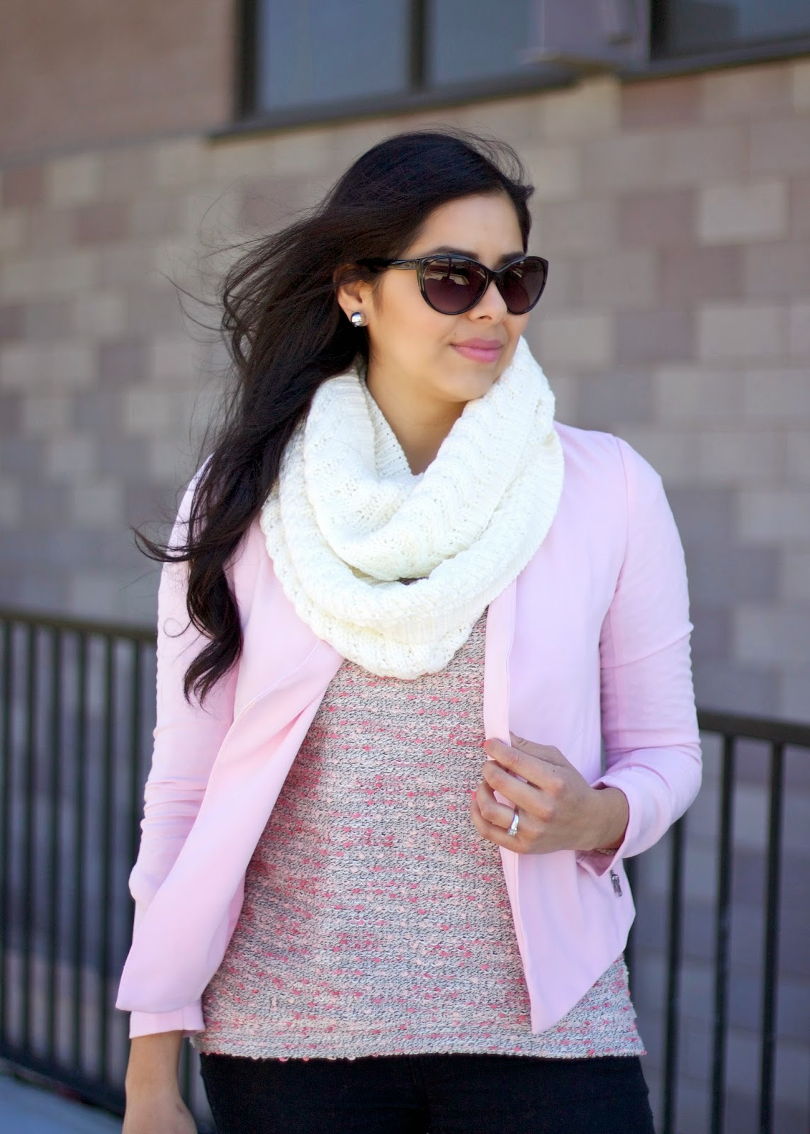 Chunky knit infinity scarf, how to wear a chunky knit infinity scarf, charming charlie scarf, forever 21 sunglasses, what to wear in san diego 2015