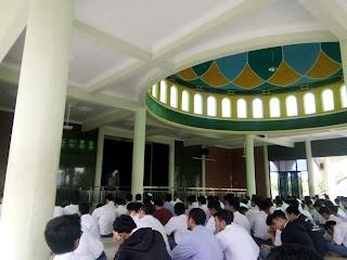 download tulisan ayah artikel kajian renungan negeri akhirat zhalim Allah rumah syurga rawatib masjid sunnah Al-Ikhlas shaf hadits