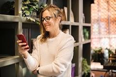 Mudah! Tips Menemukan Lowongan Pekerjaan dari Daftar Kontak Telepon
