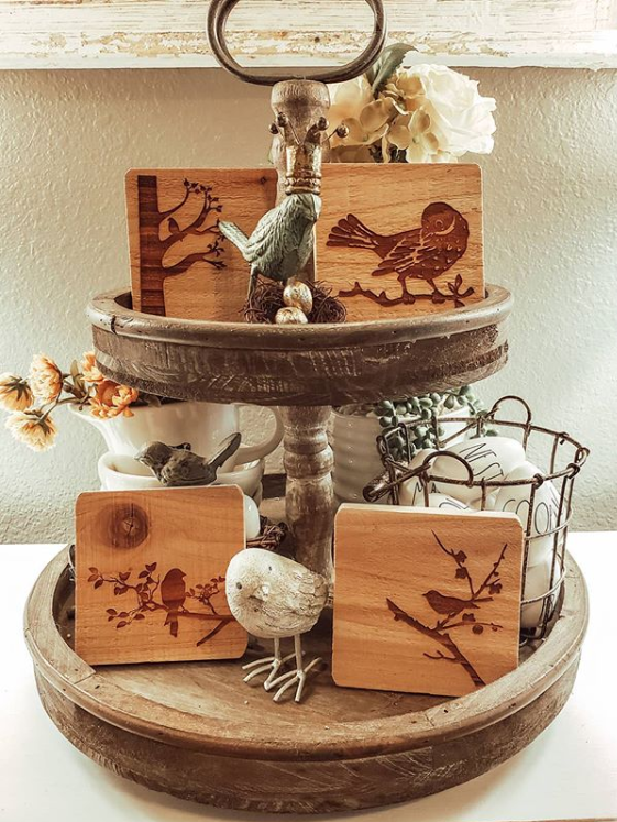 Two-tier wooden tray with bird decor