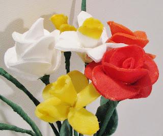http://pomyslyplastyczne.blogspot.com/2016/05/kwiatki-dla-mamy.html