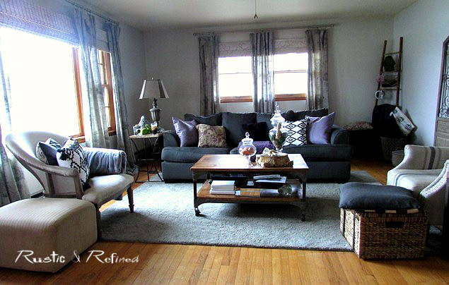 Decorating the Living Room with farmhouse rustic style and industrial furniture.