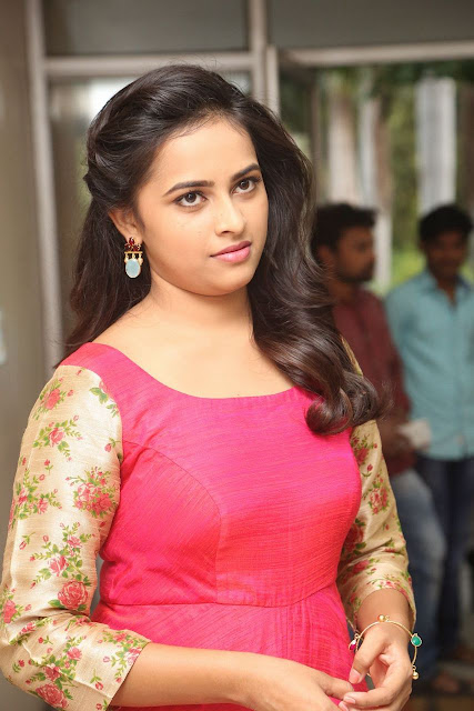 sri divya at kaashmora press meet photos