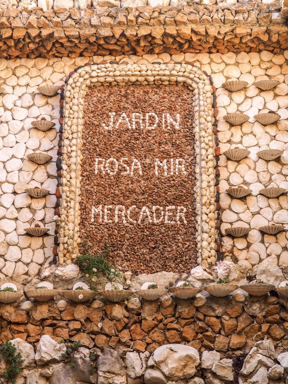 Lyon Le Joli Jardin Rosa Mir A La Croix Rousse Mes Petits