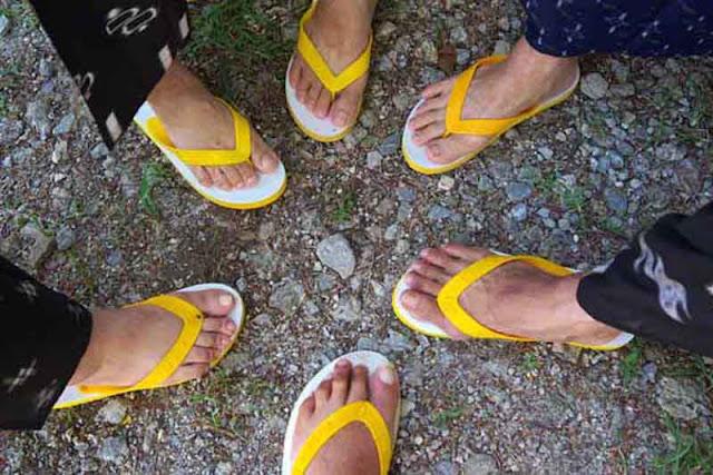 feet, flip-flops, kimonos, shima-zori, yellow, Okinawa