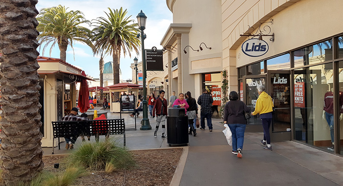 Carlsbad_Outlets