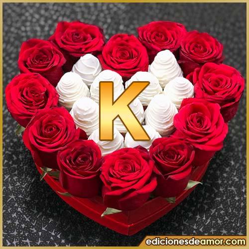 corazón de rosas rojas K