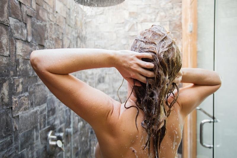 Saçı Kaç Kere Şampuanlamalı?