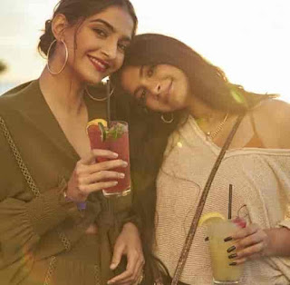 Sonam Kapoor With Her Sister