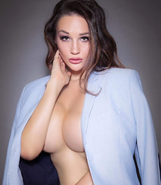 Alina Lewis bikini