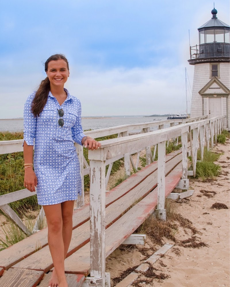 Preppy summer outfit in Nantucket