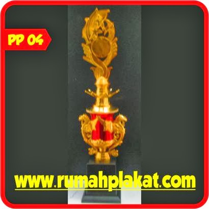 Cetak Piala, Piala Kecil Murah, Model Piala Import, Grosir Piala Trophy di Malang, 0812.3365.6355