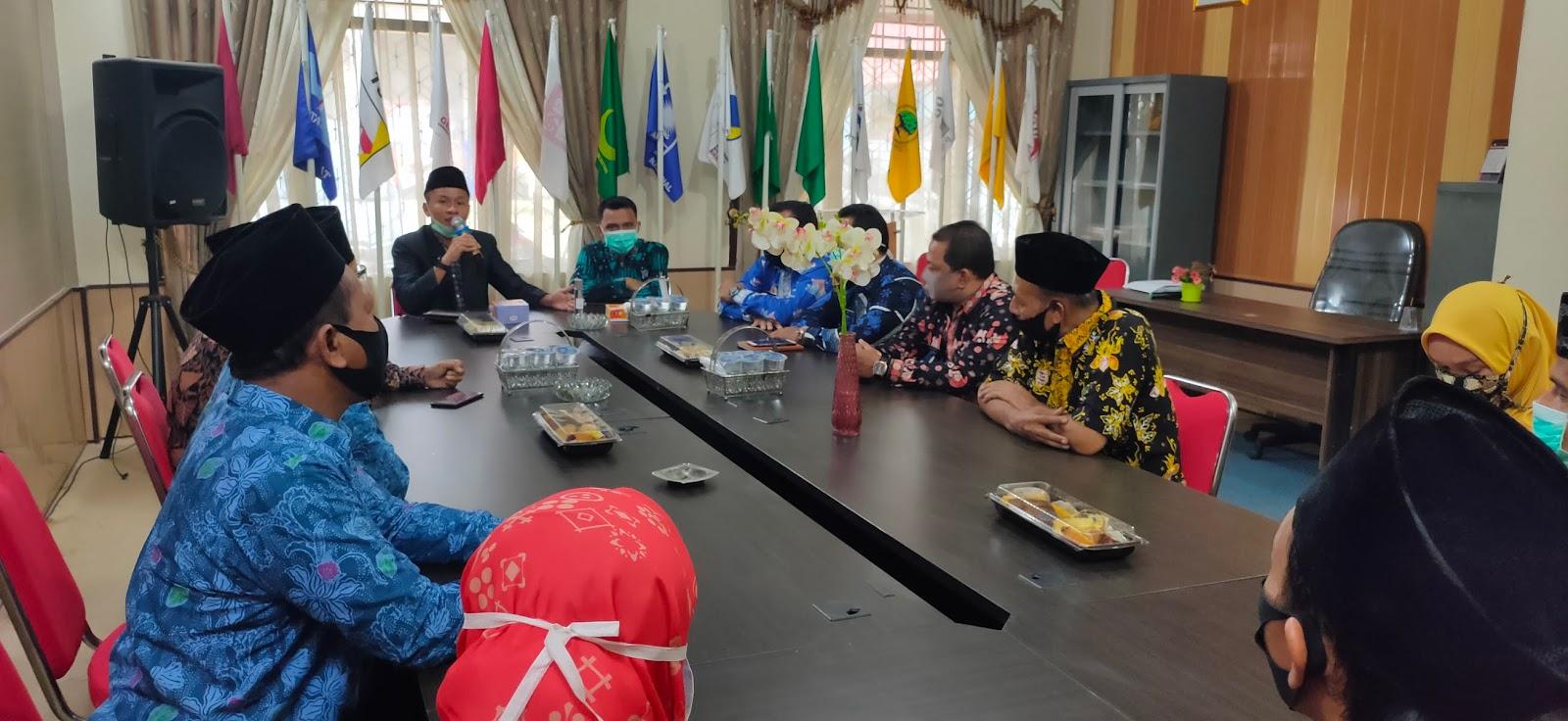 Ketua KPU Tanjabtim Kukuhkan Sekretariat PPK 11 Kecamatan